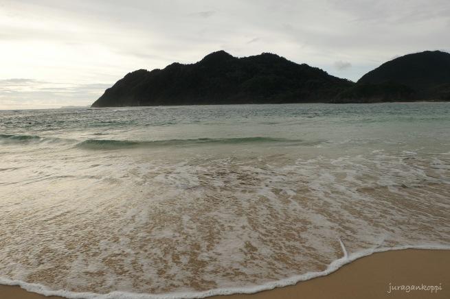 Pantai Lampuuk_2_Banda Aceh_Fotor