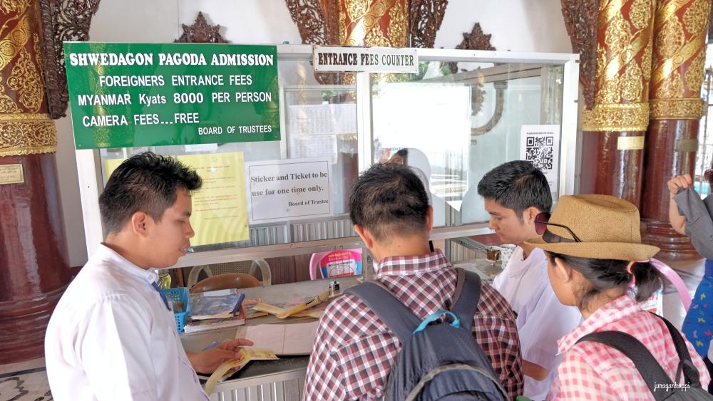DSCF5228_Fotor_Myanmar